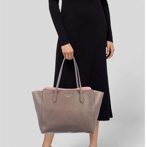 Gucci calfskin swing Shoulder bag